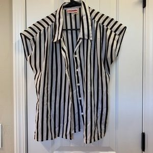 Tops - Button down blouse black and white